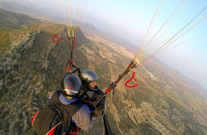 http://oferplan-imagenes.lasprovincias.es/sized/images/vuelo-parapente-biplaza-valencia-1-300x196.jpg